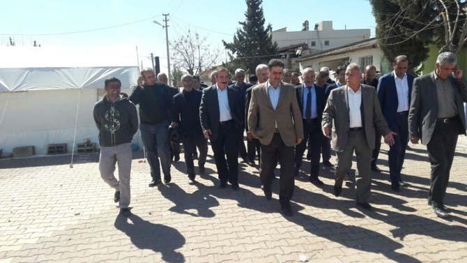 Milletvekillerinden depremzedelere ziyaret