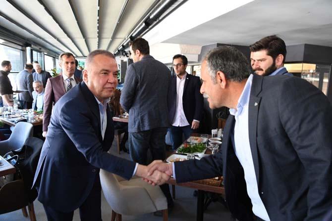 Başkan Böcek, iş adamlarıyla buluştu