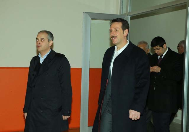 Türkiye'nin en büyük gençlik merkezi açılış için gün sayıyor