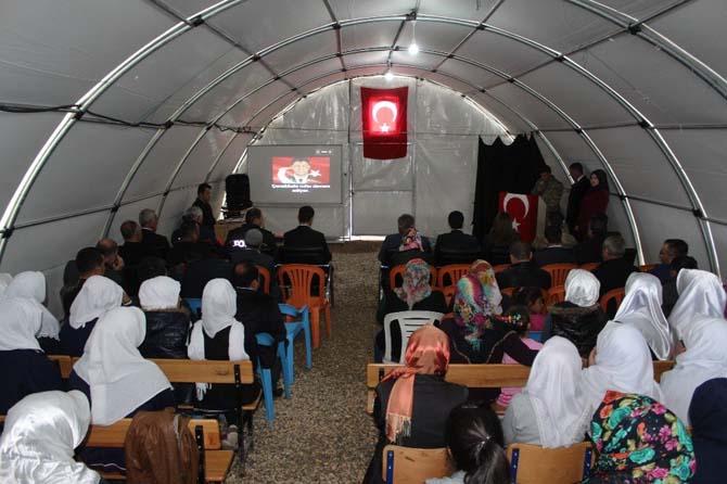 Depremzedeler Çanakkale zaferini kutladı