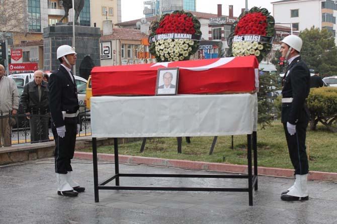 Emekli Mülkiye Başmüfettişi Özer Öner için cenaze töreni düzenlendi