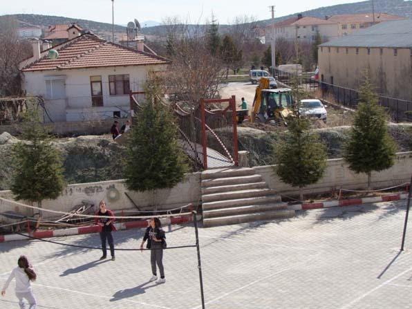 Korkuteli Belediyesinden öğrencilere köprü