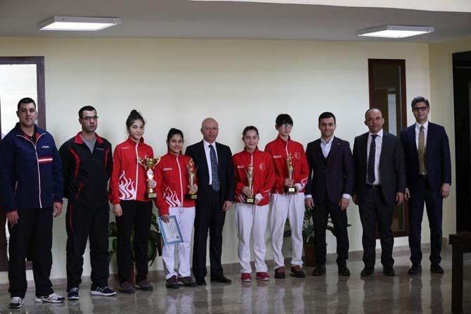 Başkan Çolakbayrakdar, Türkiye şampiyonlarını ağırladı