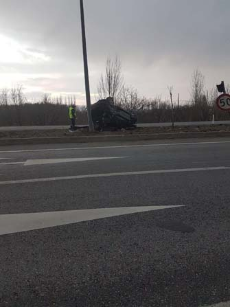 Takla atan aracın sürücüsü ağır yaralandı