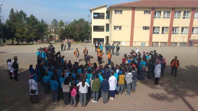 Altınova okullarında deprem tatbikatı