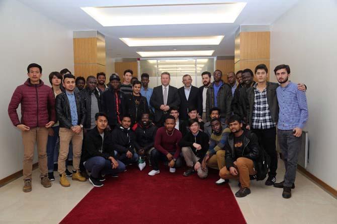 Uluslararası öğrenciler Başkan Palancıoğlu'nu ziyaret etti