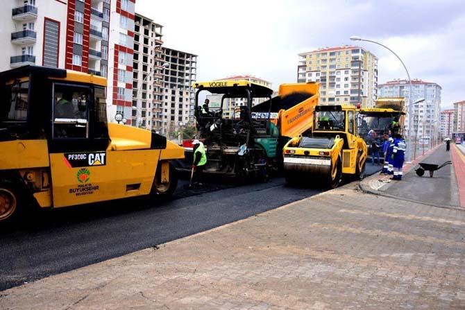 Bostanbaşı Caddesi asfaltlanıyor
