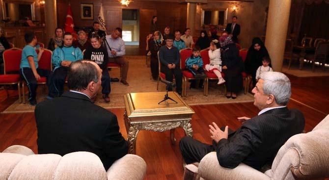 Başkan Karaosmanoğlu, Peteğim Özel Eğitim Kurumu öğrencilerini ağırladı
