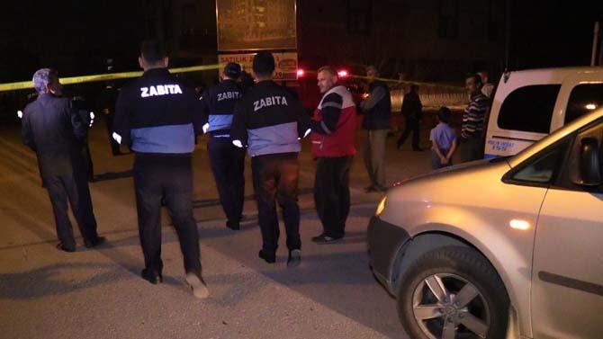 Konya'da istinat duvarı çöken 3 katlı bina boşaltıldı