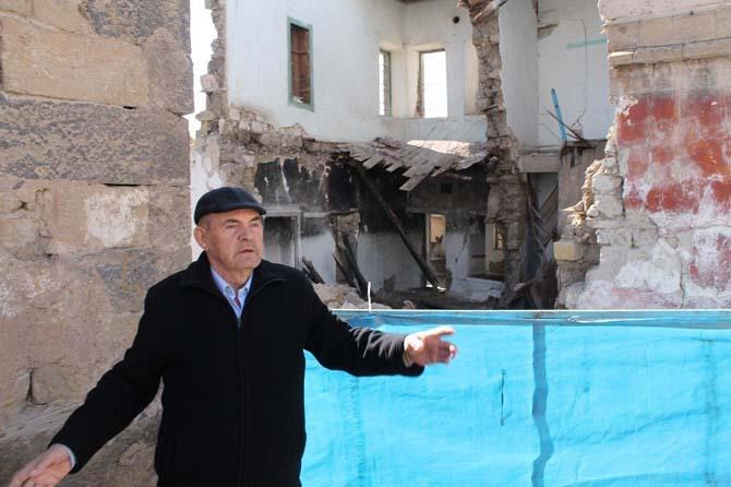 Koruma altındaki evler yağış nedeniyle yıkılıyor