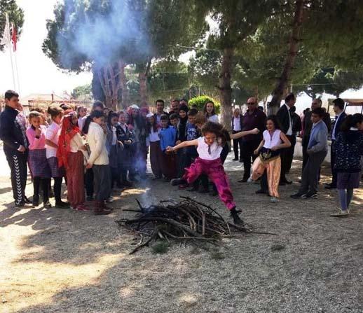 Sarıgöl'de 'Orman ve Ağaç Bayramı'na renkli kutlama