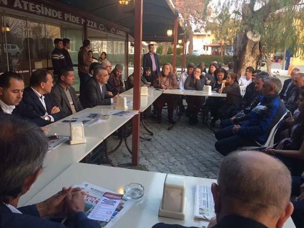 AK Parti milletvekili Savaş, Kuşadası'nda referandum çalışmasına katıldı