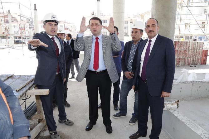 Başkan Duruay ve Kaymakam Esmer sosyal tesis inşaatını inceledi