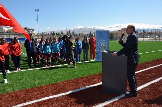 Okul Sporları Futbol Yarı Final Müsabakaları başladı