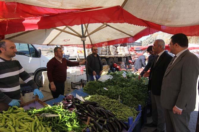Kaymakam vekili Zaman'dan semt pazarına ziyaret