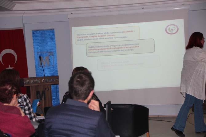 Bilecikli eczacılara Smart ve Akıllı Eczane Modeli Projesi semineri verildi