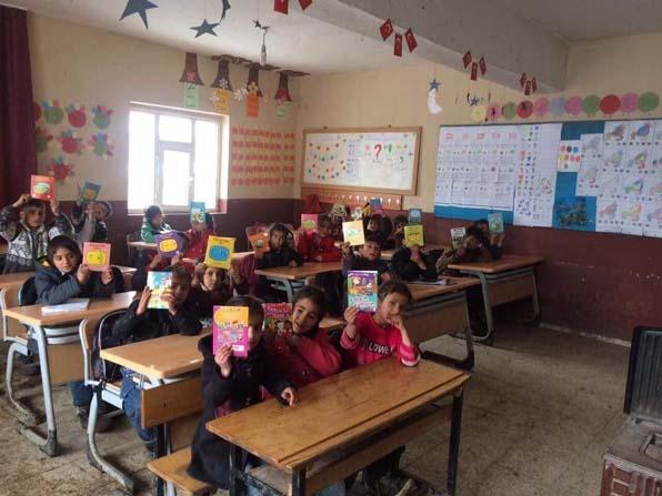 Vanlı Ortaokul öğrencilerinin kitap sevinci