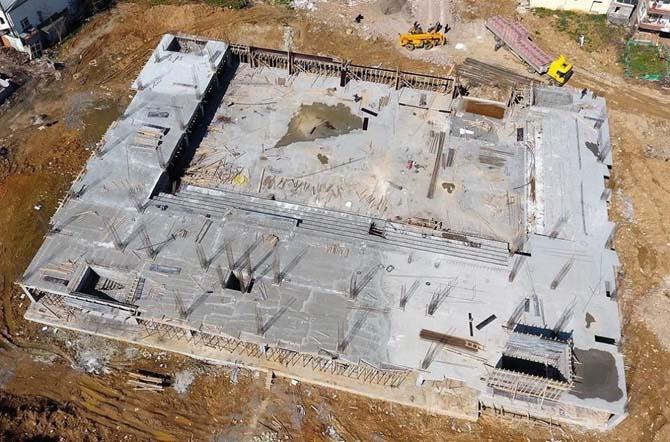 Spor salonu inşaatı yükseliyor