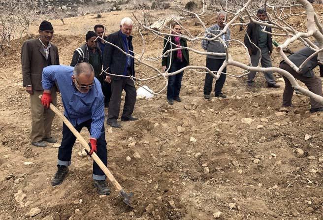 Büyükşehir Belediyesi'nden Antep fıstığı üreticilerine eğitim