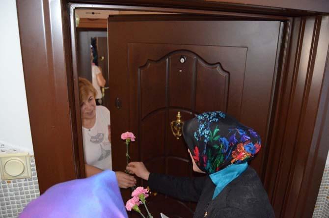 Çat kapı yeni anayasayı anlattı