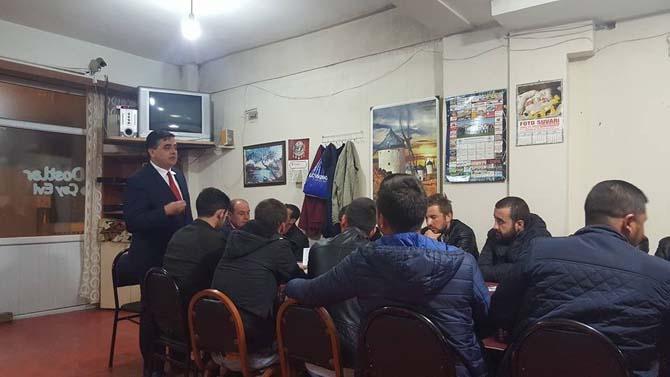 Başkan Yalçın, milli maçı kahvehanede gençlerle izledi
