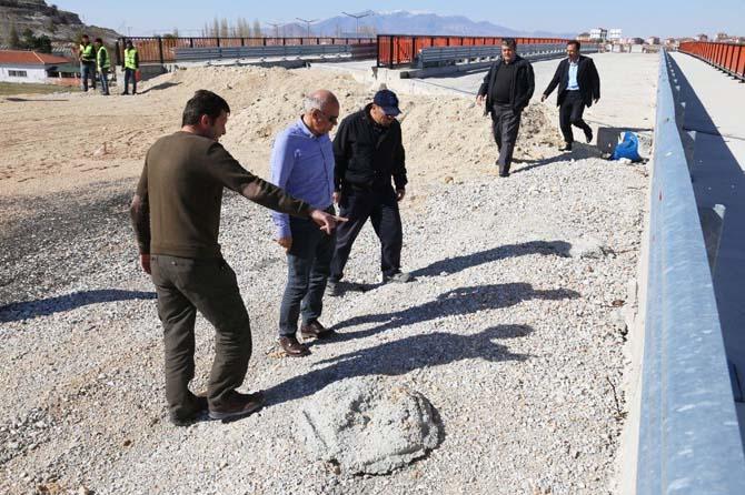 Karaman-Mersin çevre yolundaki köprülü kavşak çalışmaları