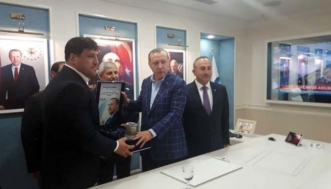 Başpehlivan Recep Kara, Cumhurbaşkanı Erdoğan ile bir araya geldi