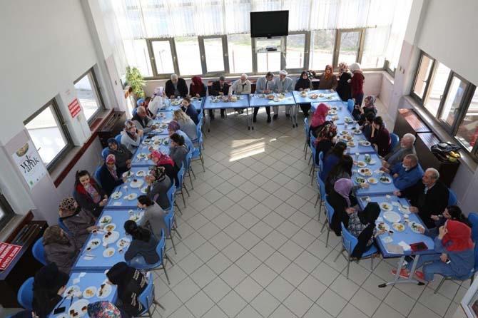 Serdivan'da yaşlılar unutulmadı