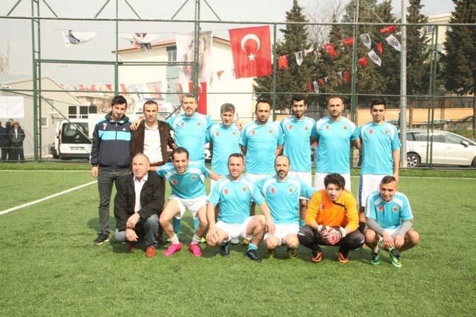 Başkan Altınok Öz köyler arası futbol turnuvasına katıldı