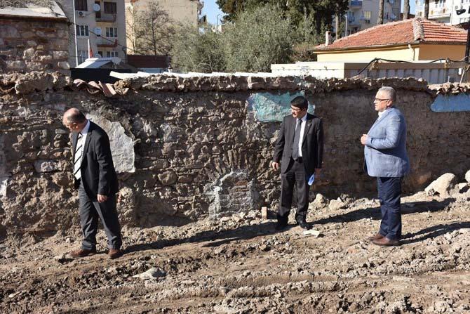 Şehzadeler, 438 yıllık tarihi çeşmeye yeniden hayat veriyor