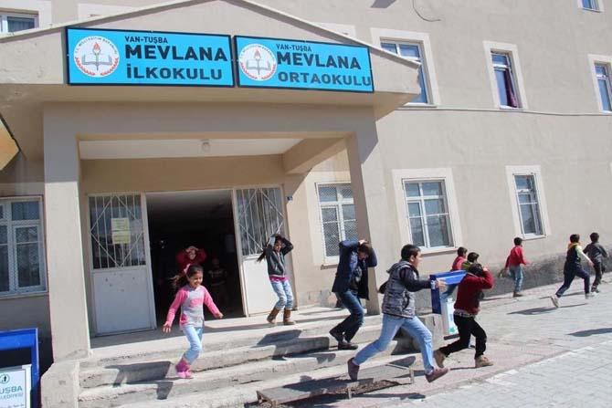 """""""Afete hazır okul"""" eğitimleri devam ediyor"""