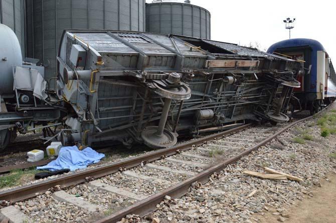 Kırıkkale'de ilaçlama vagonu devrildi, 1 kişi hayatını kaybetti