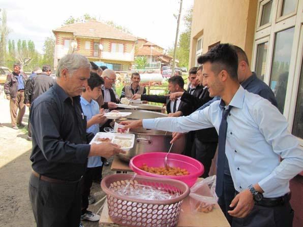 Yukarı Yoncaağaç köyünde hayır yemeği