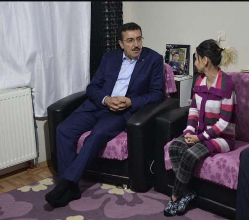 Hayatı ABD'den gelecek ilaca bağlı olan Mehmethan'a Bakan Tüfenkci el uzattı
