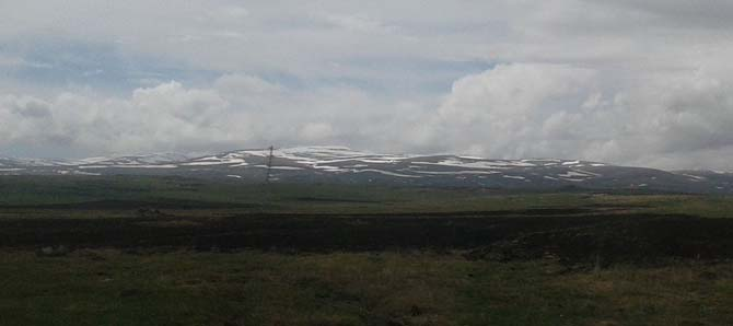 Kars'ın yüksek kesimlerinde kar örtüsü