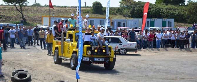 Çanakkale Boğaz Köprüsü'nde modifiyeli araçlar şov yaptı