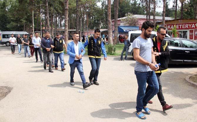 Adana'da yasa dışı bahis operasyonu: 12 gözaltı