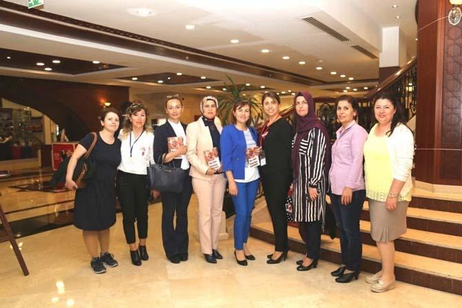 Antalya'da Yılın Ebeleri seçildi