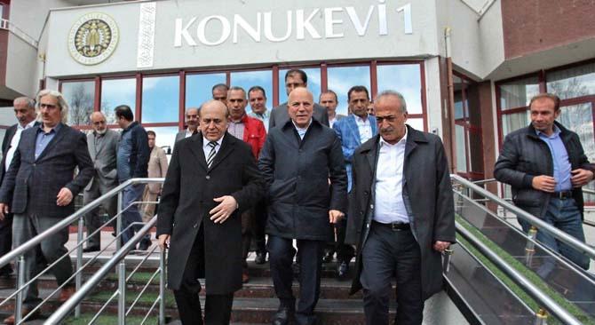 Ak Parti Milletvekili Burhan Kuzu'dan, Rektör Çomaklı'ya ziyaret