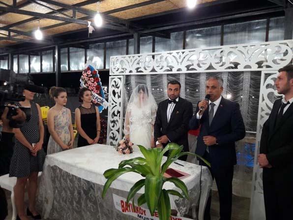 Başkan Yaman belediye personeli genç çiftin nikahını kıydı