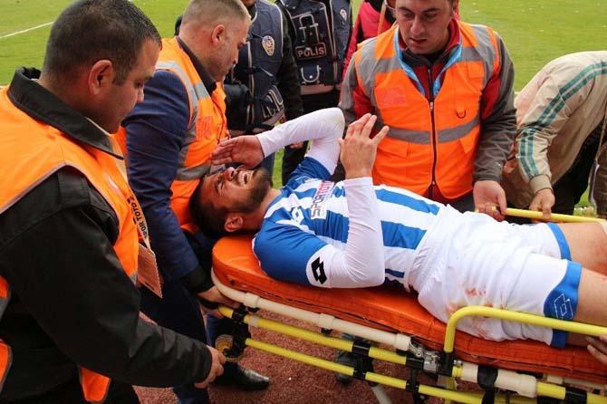 Büyükşehir Belediye Erzurumspor oyuncusu Erdem Koçal sakatlandı