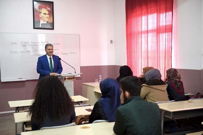 Çakır, İnönü Üniversitesinde yerel yönetimler öğrencilerine ders anlattı