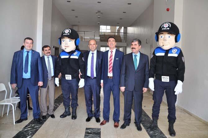 Muş'ta 'Karayolu Güvenliği ve Trafik Haftası' etkinliği