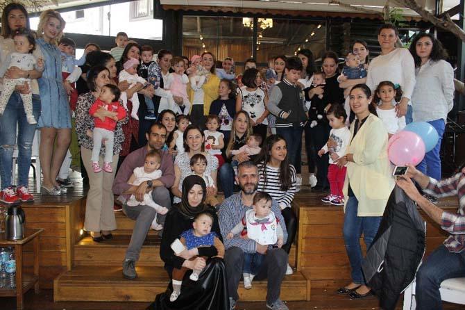 Tüp bebek sahibi ailelerinin Anneler Günü buluşması