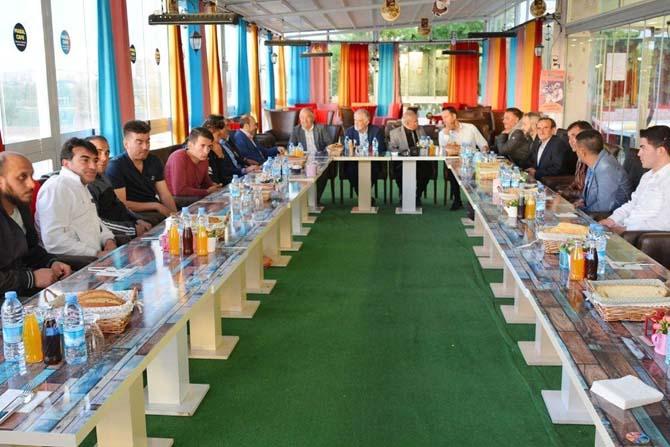 Uşak'ta amatör futbol takımları el ele