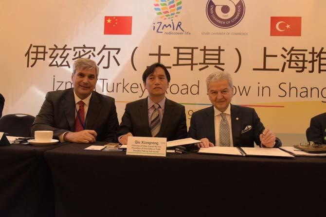 """Çinlilere """"Tatil ve yatırım için İzmir'e gelin"""" daveti"""