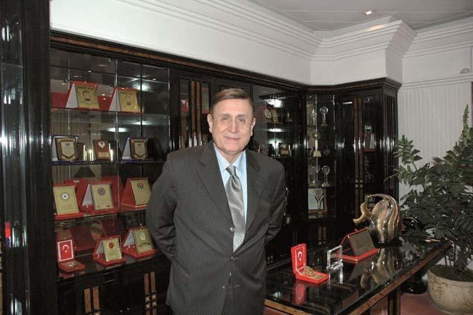 Sanayici Naci Topçuoğlu Anılacak