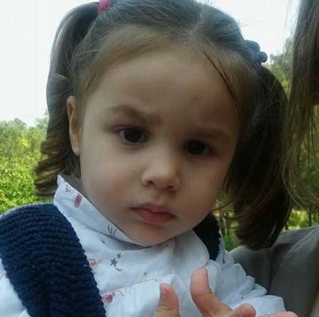 2,5 yaşındaki Ece'nin yürümesi 4 kutu ilaca bağlı