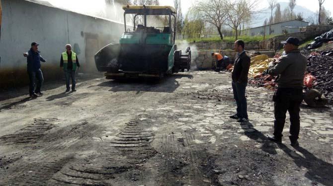 Van'da yol onarım ve kaldırım yenileme çalışması