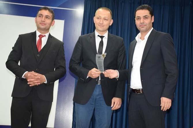 Kozluk'ta başarılı öğretmenlere ödül verildi